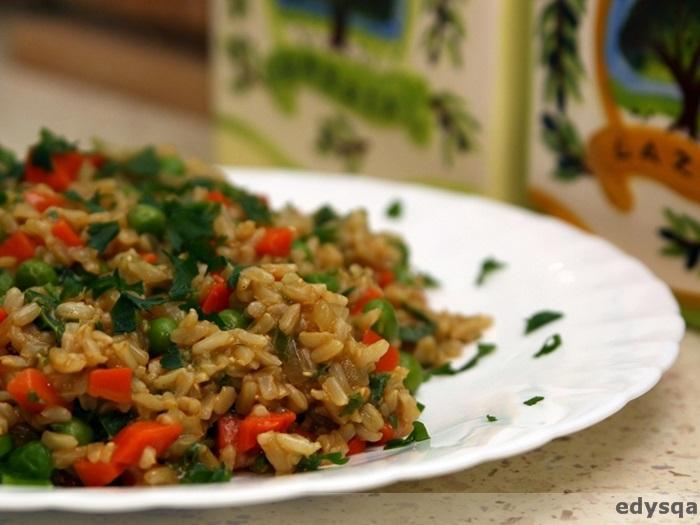 Ryż z marchewką i groszkiem
