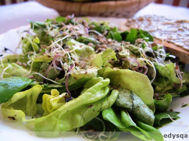 Surówka z sałaty z gomasio