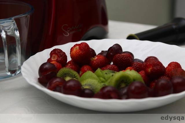 Przepisy z wyciskarki – placki z marchewki i sok z truskawkami