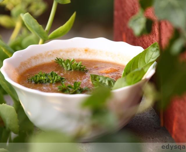 Surowa zupa pomidorowa