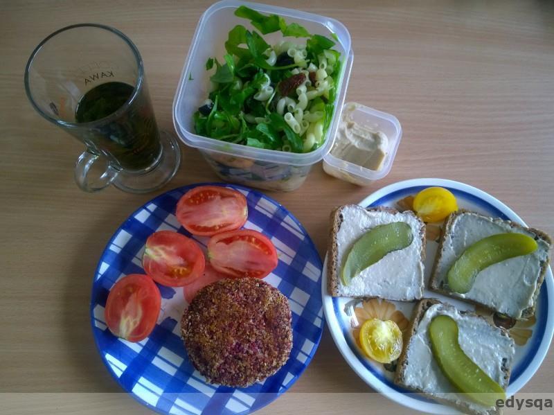 Co weganie jedzą w pracy na śniadanie?