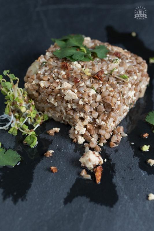 Kasza gryczana z tofu wędzonym