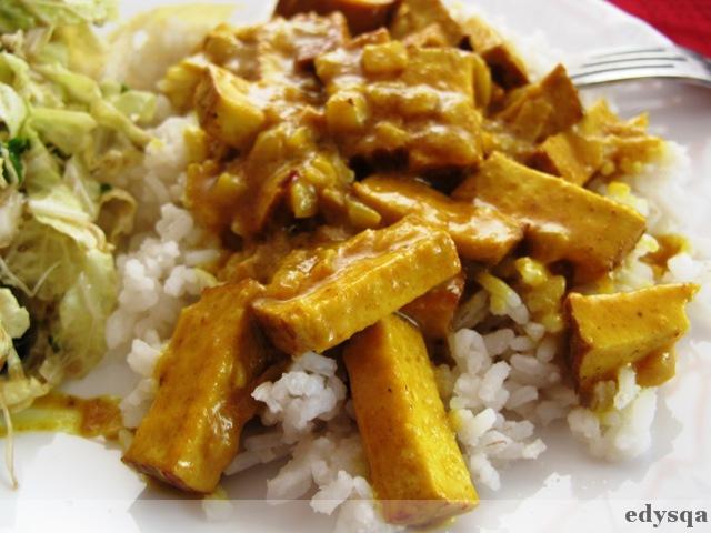 Tofu wędzone w sosie curry