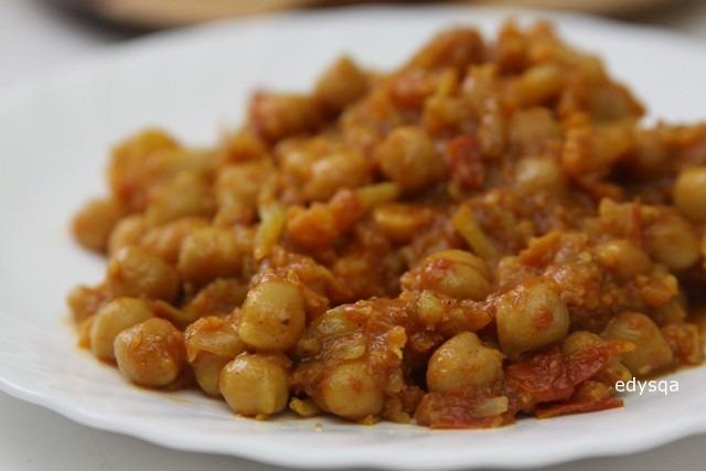 Curry z ciecierzycy i kalafiora