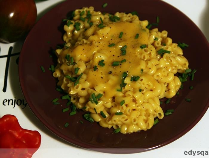 Wegański makaron z serem (macaroni & chesse)