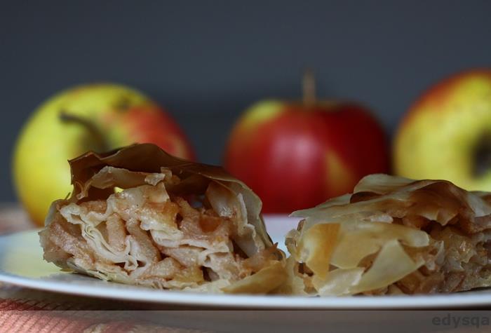 Najprostszy strudel jabłkowy – w cieście filo