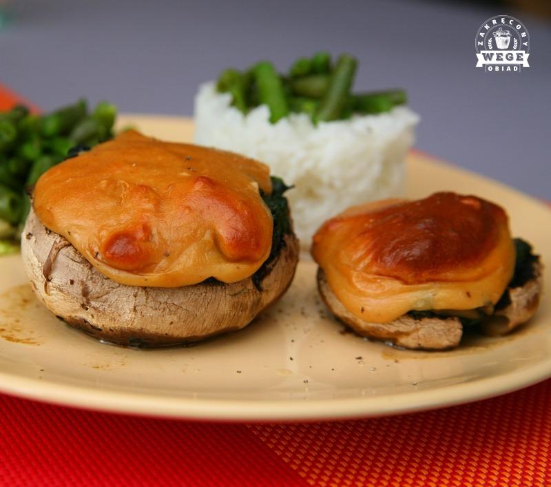 Faszerowane pieczarki portobello + sos serowy z nerkowców