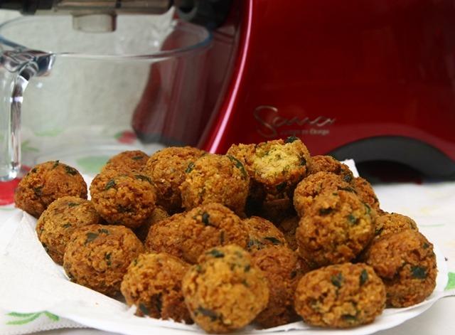 Przepisy z wyciskarki – pulpety w sosie pomidorowym i sok z cukinii