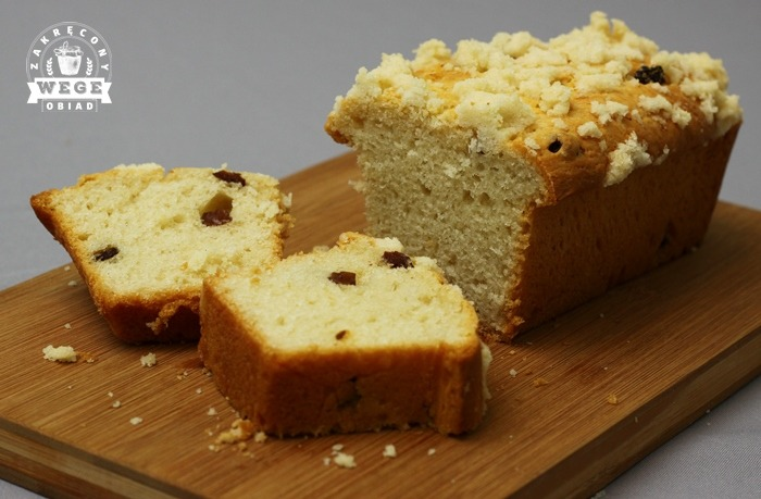 Wegańskie ciasto drożdżowe (bez jajek i mleka)