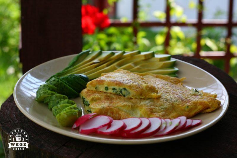 Wegański omlet – miękki i puszysty (bez jajek)