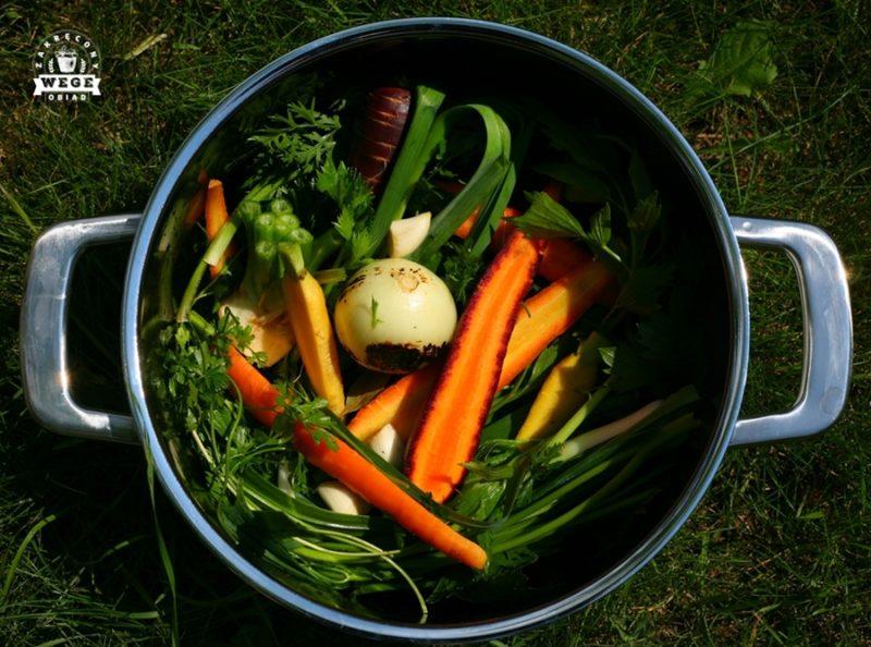 Rosół z młodych warzyw