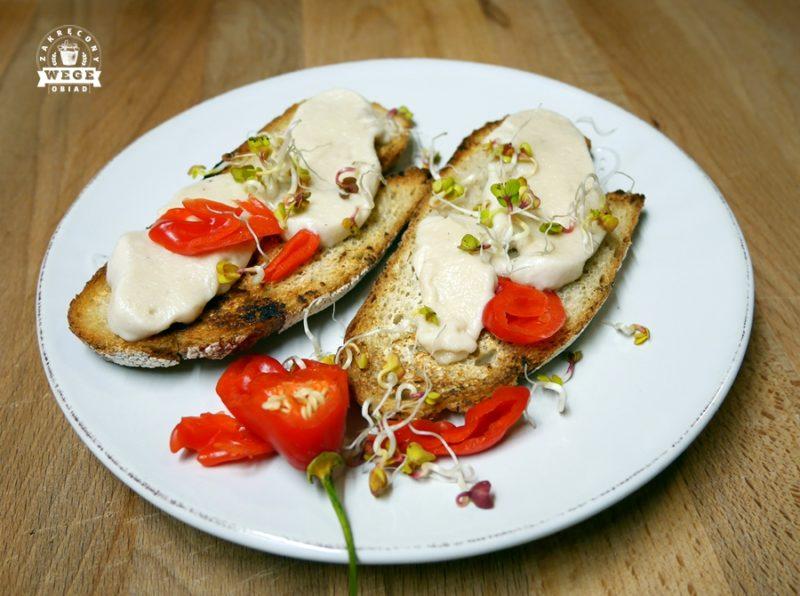 Wegańska mozzarella z nerkowców