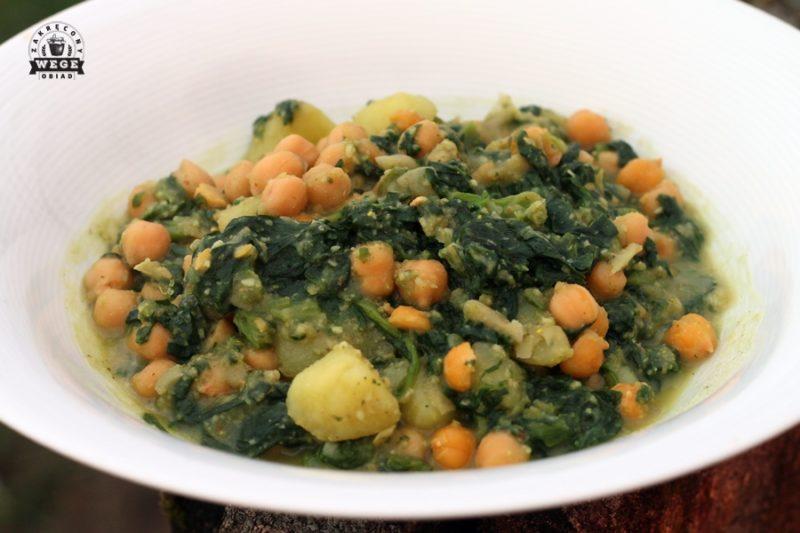Curry z ciecierzycą, szpinakiem i ziemniakami