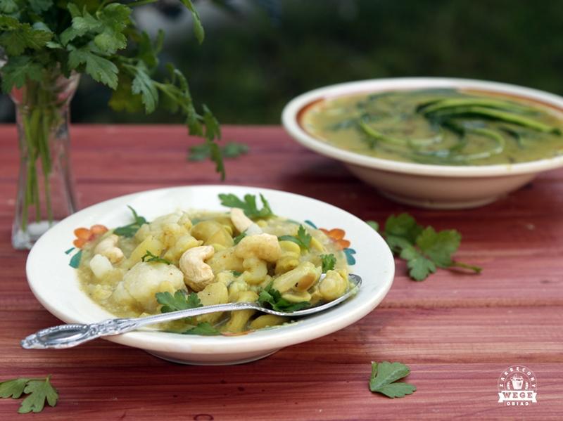 Curry z kalafiora, ziemniaków i nerkowców