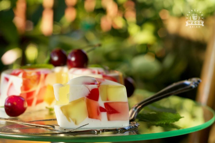 Jogurtowiec z galaretkami – wegański