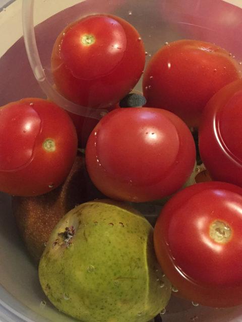 Jak oczyścić warzywa i owoce?