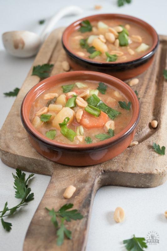 Afrykańska zupa ziemniaczana z masłem orzechowym